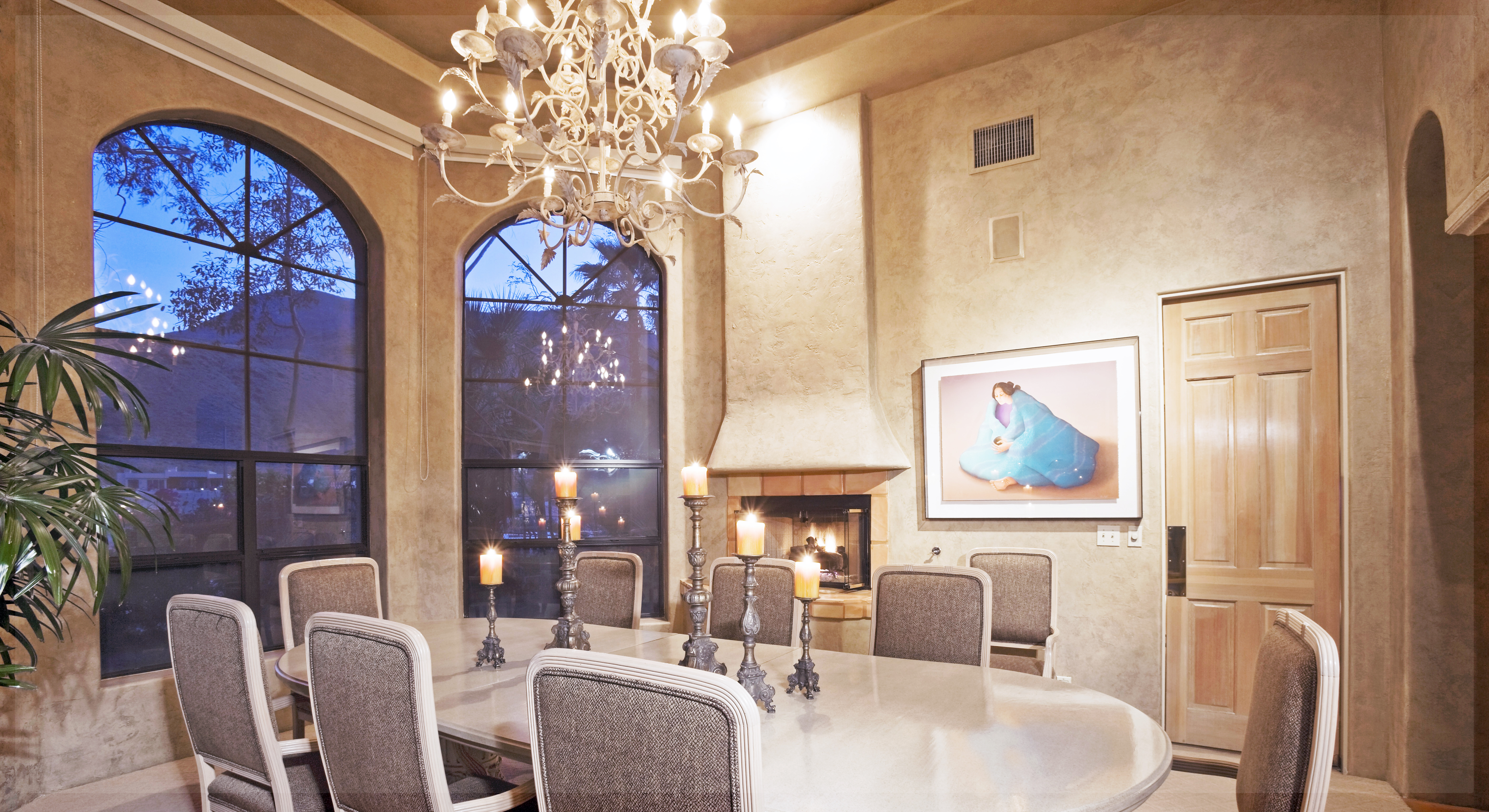 How to Safely Move a Crystal Chandelier
