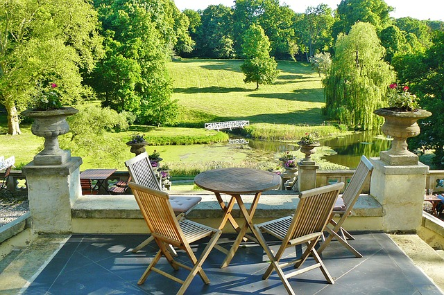 Tips for a Smooth Move of your Garden Furniture